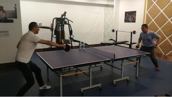 北京思路智园科技有限公司组织室内乒乓球友谊赛